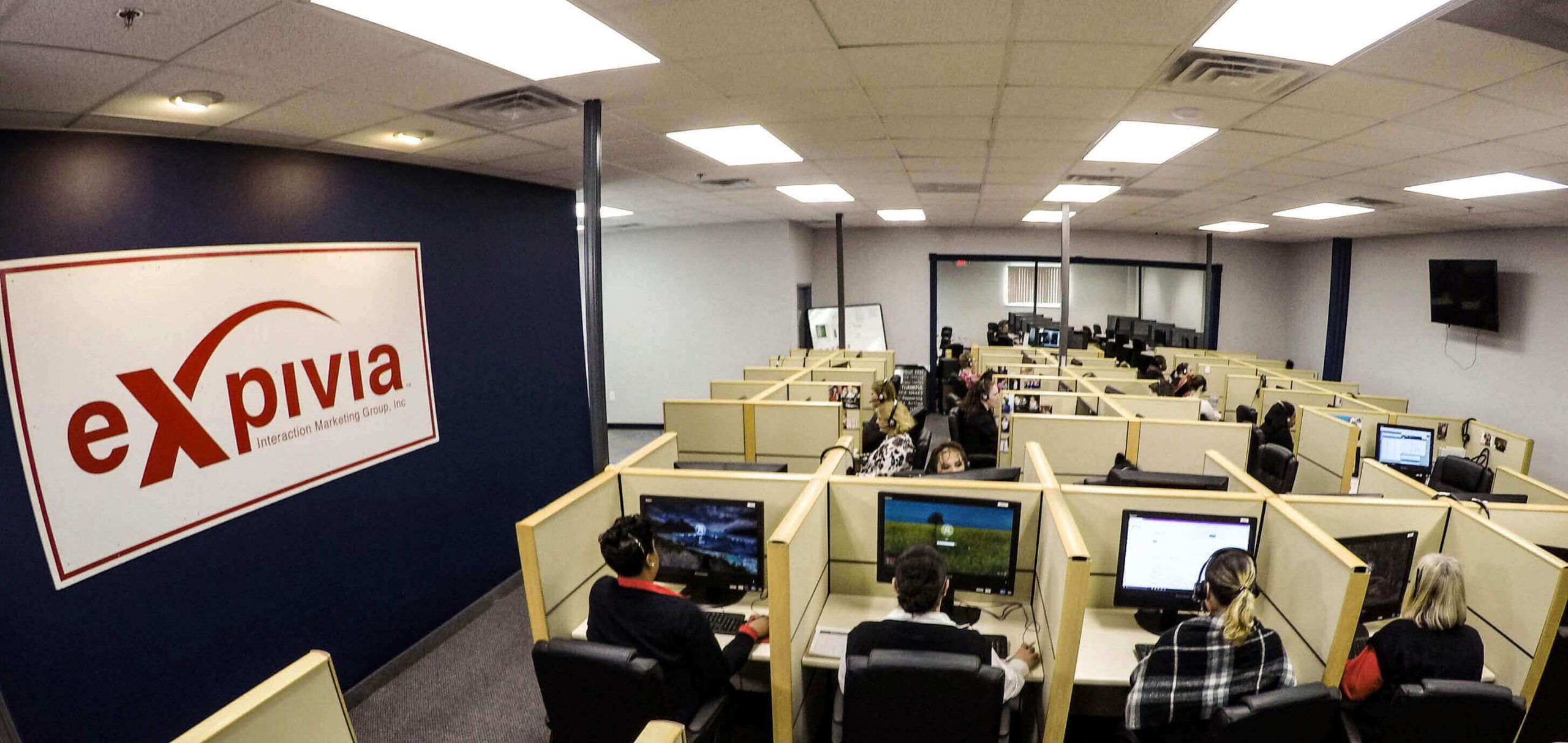 How the best call center sets up their call center floor.